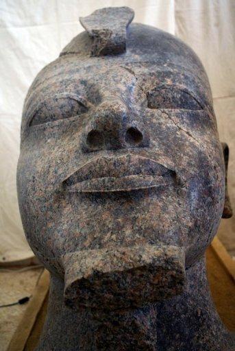 اگتشاف تمثال فريد لأمنحتب الثالث بالأقصر King566165