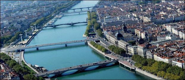 Commerces bars restaurants à Lyon Lyon