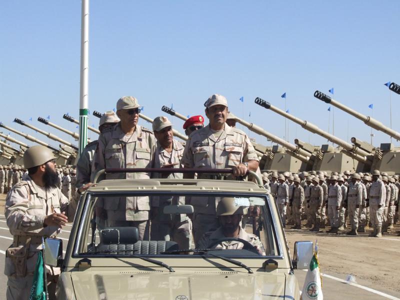 ايران تستعرض قوتها العسكريه لماذا لاتهاجم السعوديه( ادخل لتعرف السبب) 070410050709qtoae544kj09xqn1tgar