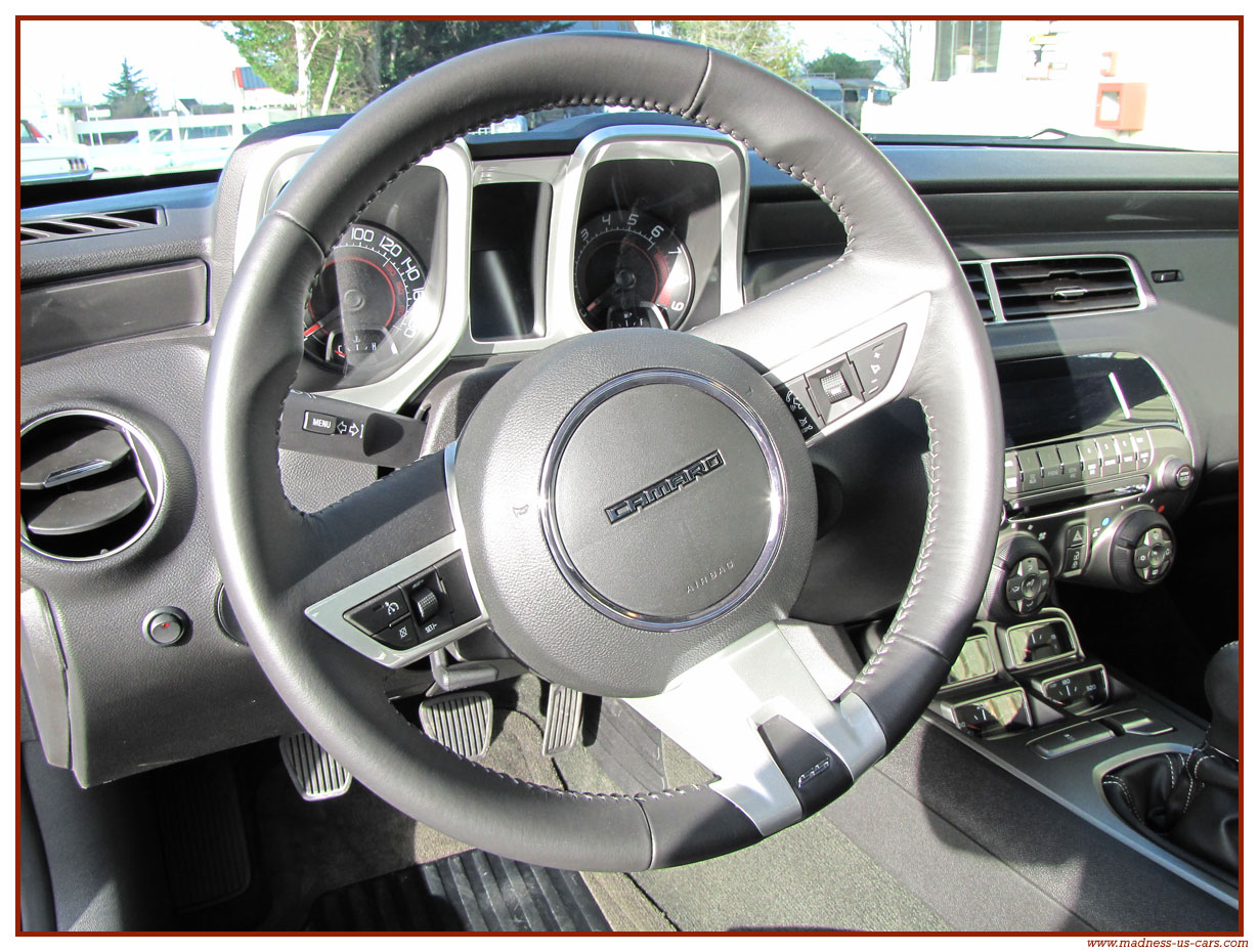 LA remplaçante de la GTD en 2013 - Page 5 Chevrolet-camaro-ss-2011-38