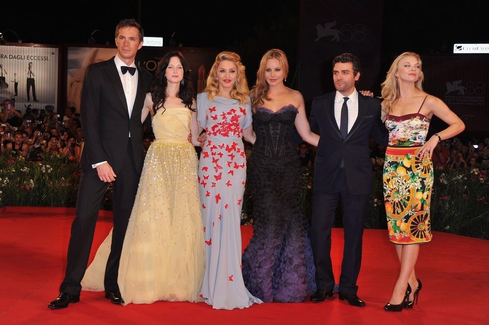 Película >> 'W.E.'  (Directora)  - Página 3 20110901-pictures-madonna-venice-we-world-premiere-red-carpet-36