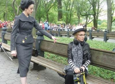 Película >> 'W.E.'  (Directora)  - Página 4 20111031-news-pictures-madonna-we-arianne-phillips-01-400x292