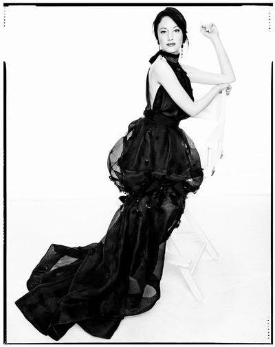 Photoshoots 2012 >> Portada de Vanity Fair Italia - Página 3 20111110-pictures-madonna-cover-harpers-bazaar-unseen-02