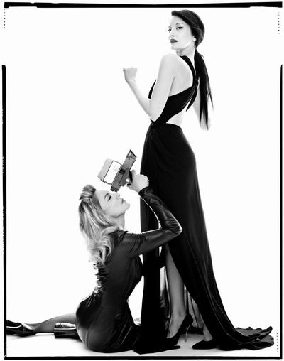 Photoshoots 2012 >> Portada de Vanity Fair Italia - Página 3 20111110-pictures-madonna-cover-harpers-bazaar-unseen-03