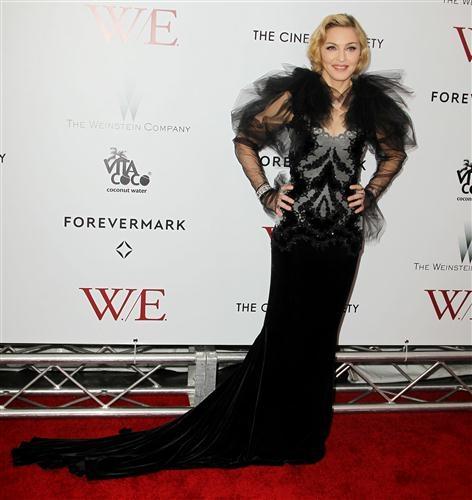 Promoción 'W.E' >>  - Página 10 20120124-pictures-madonna-we-new-york-premiere-21