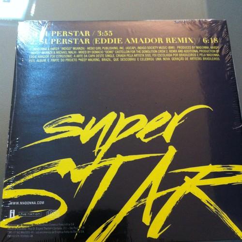 Single Promocional 'Superstar'  - Página 7 20121203-news-madonna-superstar-single-brazil-03