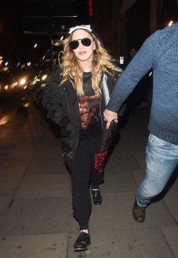 Madonna    20160417-pictures-madonna-out-and-about-london-02-350x507