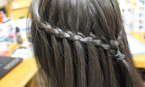 Hair Style. - Page 3 How-to-do-a-waterfall-braid