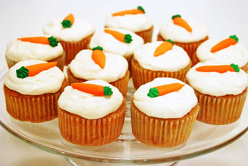 It's Redhead Embers Birthday! Carrot-Cake-Cupcakes