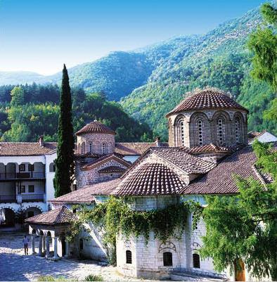 Paysages du monde - Page 2 Bulgarie_circuit_au_coeur_des_balkans_monastere