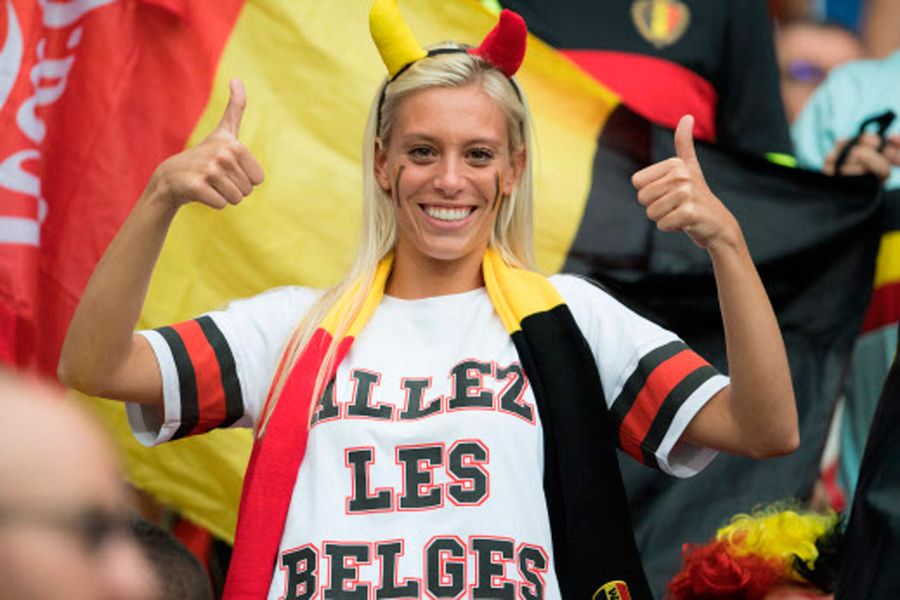 vive le fouteballe ! - Page 15 Jolie-supportrice-belge-foot-Euro-2016
