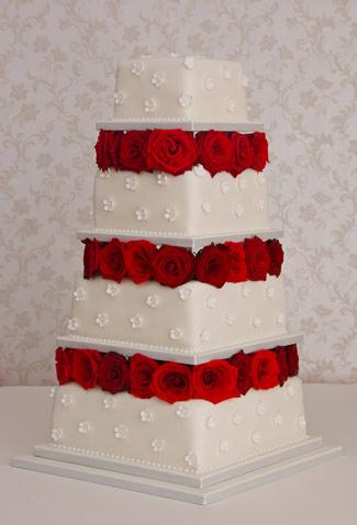 كل عام وانت بخير يا كريم الغالي Rosebedandblossomweddingcake