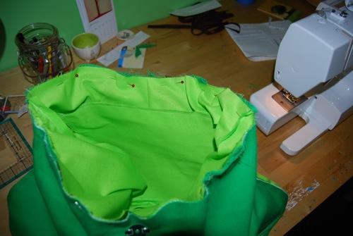 تفصيل شنط بالباتروون من الالف للياء Free-diaper-bag-instructions