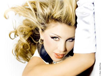 """Malena Gracia >> Nuevos Singles """"Quédate Una Noche (Feat Alex Cantó)""""/""""Que Pereza (feat Sandy G)"""" 8"""