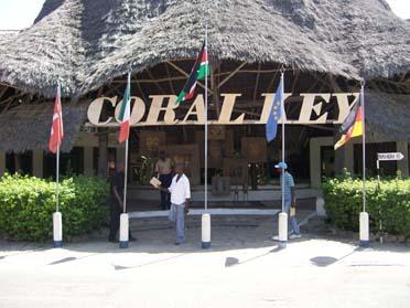 """MARCO VANCINI del Koral Key CONTRO """"IL FATTO QUOTIDIANO""""  Coralkey%20entrance"""