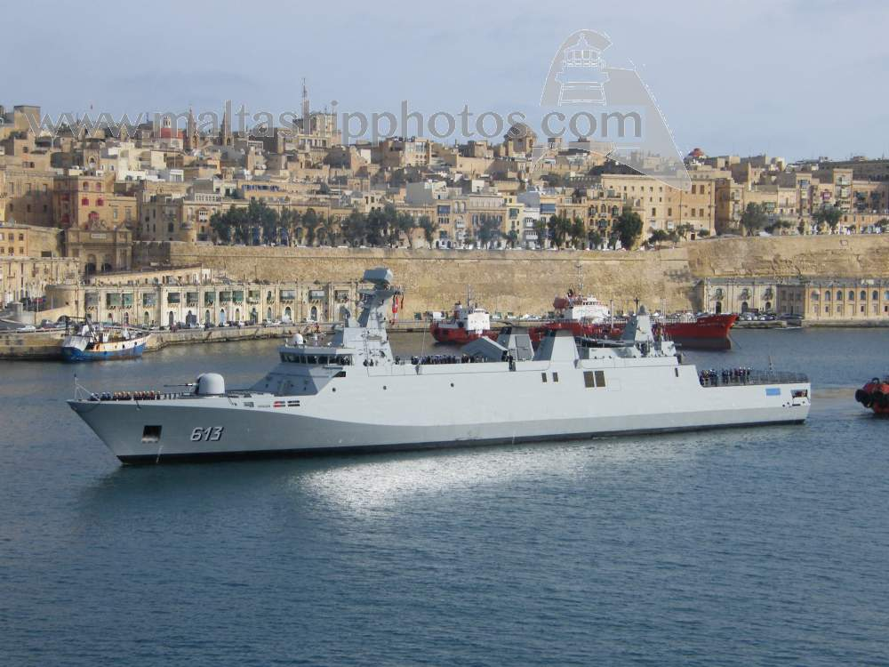 Royal Moroccan Navy Sigma class frigates / Frégates marocaines multimissions Sigma - Page 20 913%20tarik%20ben%20ziyad%20e-gh%20isla%20iv%20-%2020.04.2015
