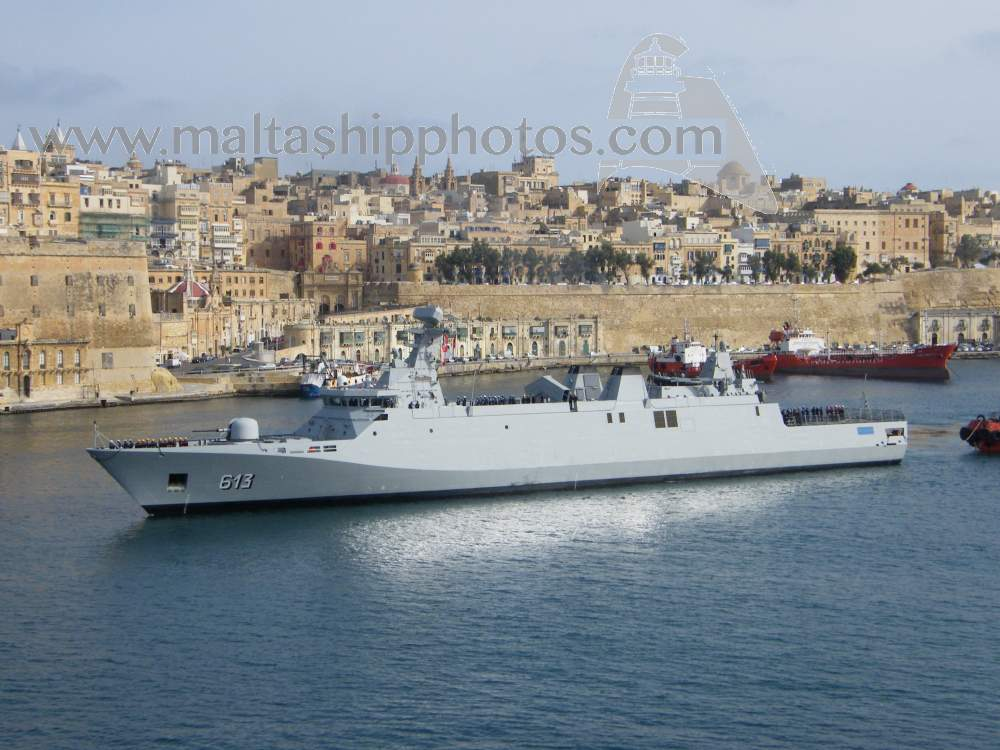 Royal Moroccan Navy Sigma class frigates / Frégates marocaines multimissions Sigma - Page 20 913%20tarik%20ben%20ziyad%20e-gh%20isla%20v%20-%2020.04.2015
