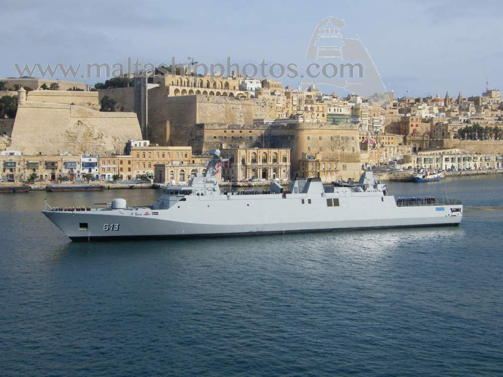 Royal Moroccan Navy Sigma class frigates / Frégates marocaines multimissions Sigma - Page 20 913%20tarik%20ben%20ziyad%20e-gh%20isla%20vi%20-%2020.04.2015