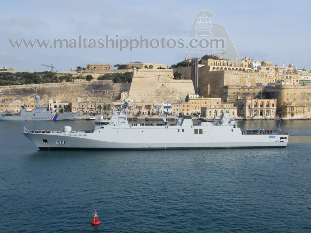Royal Moroccan Navy Sigma class frigates / Frégates marocaines multimissions Sigma - Page 20 913%20tarik%20ben%20ziyad%20e-gh%20isla%20vii%20-%2020.04.2015