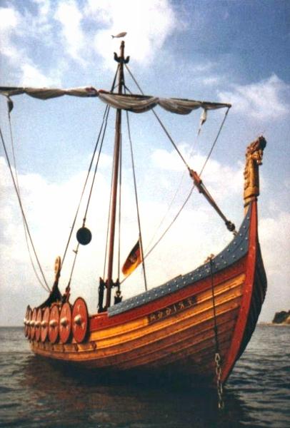 Le Rapport en Image - Page 40 Viking-snekkar-3-gd