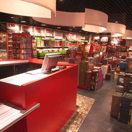 Où achetez-vous vos mangas ? - Page 2 Glenat_lyon_librairie_img2