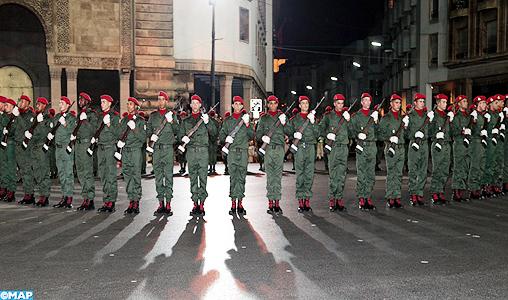 Tenues de FAR / Moroccan Uniforms - Page 8 Defile-garde-Royale-M