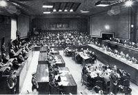 أحداث شهر أبريل 200px-IMTFE_court_chamber
