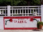 أحداث شهر أبريل 140px-Coruche_mural_25_Abril