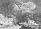 أحداث شهر أبريل 140px-Bombay-Docks-aftermath1