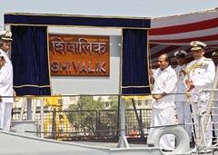 تقرير عن الجيش الهندي INS_Shivalik_First_Indigenous_Stealth_Frigate_Indian_Navy_1_thumb