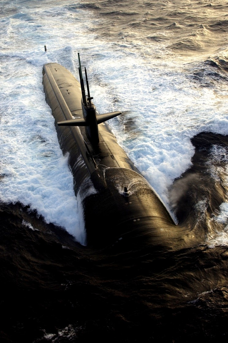 Operation Majestic Eagle 2004 Uss_albuquerque_ssn_706_03