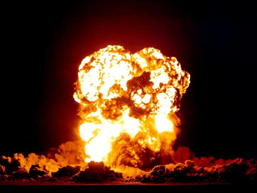 tiziano ferro (questo conosciuto... purtroppo...) - Pagina 2 Esplosione%202