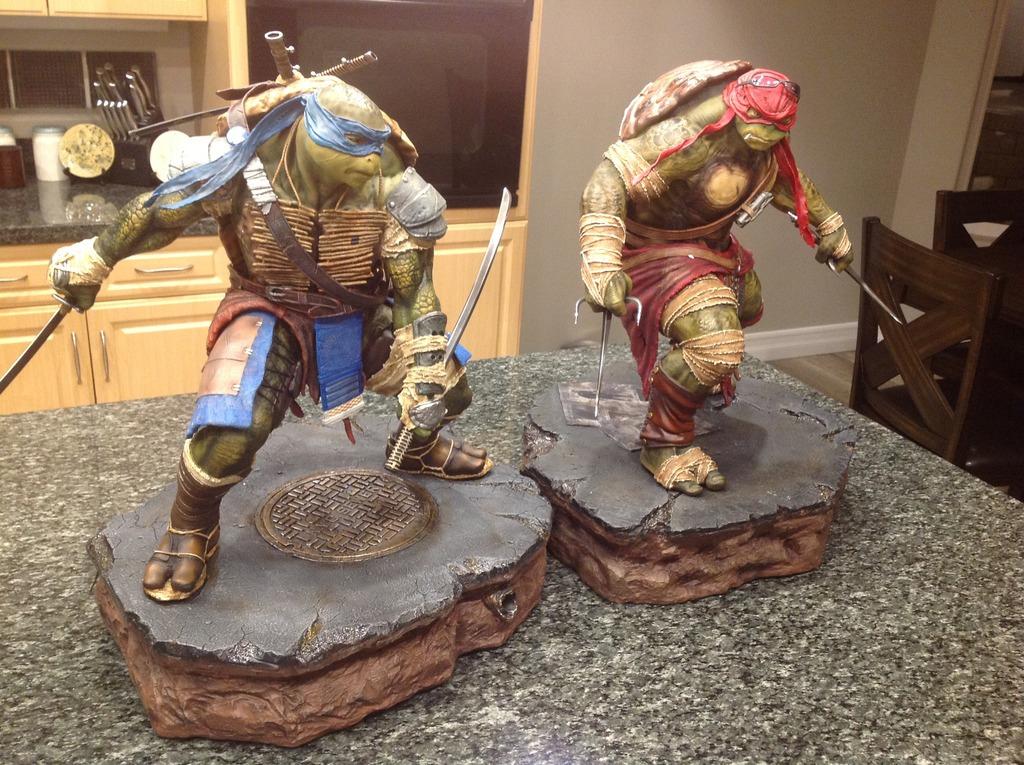 TMNT 2014 - Leonardo 1/4 Statue Double1