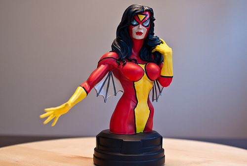 SPIDER-WOMAN MINI BUST GENTLE GIANT 1
