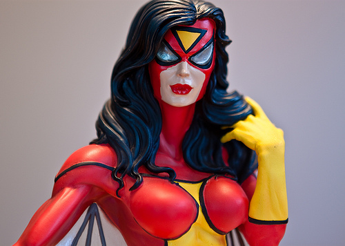 SPIDER-WOMAN MINI BUST GENTLE GIANT 4