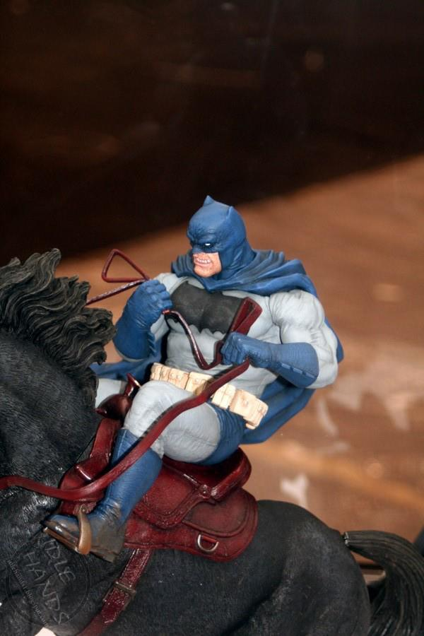 DC Collectibles The Dark Knight Returns Statue 2