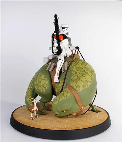 Sandtrooper on Dewback Animated Maquette 80193-3