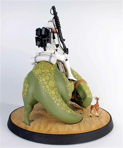 Sandtrooper on Dewback Animated Maquette 80193-7
