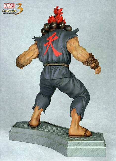 HCG : Marvel vs Capcom 3: 1:4 Scale Dr. Doom vs Akuma Akuma_doom12