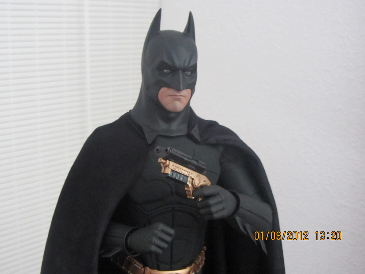 "BATMAN ""THE DARK KNIGHT"" : ENTERBAY -  1/4 SCALE 8"