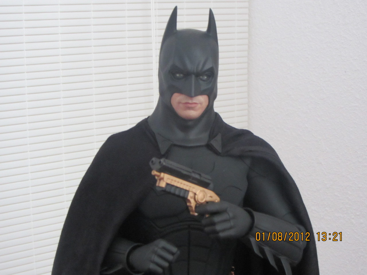 "BATMAN ""THE DARK KNIGHT"" : ENTERBAY -  1/4 SCALE 9"
