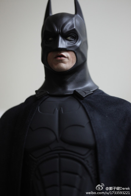 "BATMAN ""THE DARK KNIGHT"" : ENTERBAY -  1/4 SCALE Batenterbay3"
