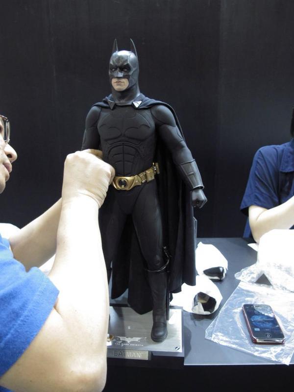 "BATMAN ""THE DARK KNIGHT"" : ENTERBAY -  1/4 SCALE Batman2"