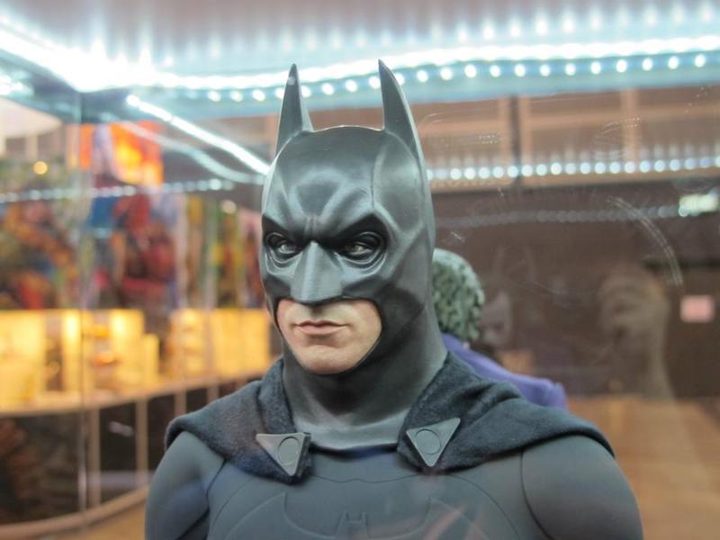 "BATMAN ""THE DARK KNIGHT"" : ENTERBAY -  1/4 SCALE Batman9"
