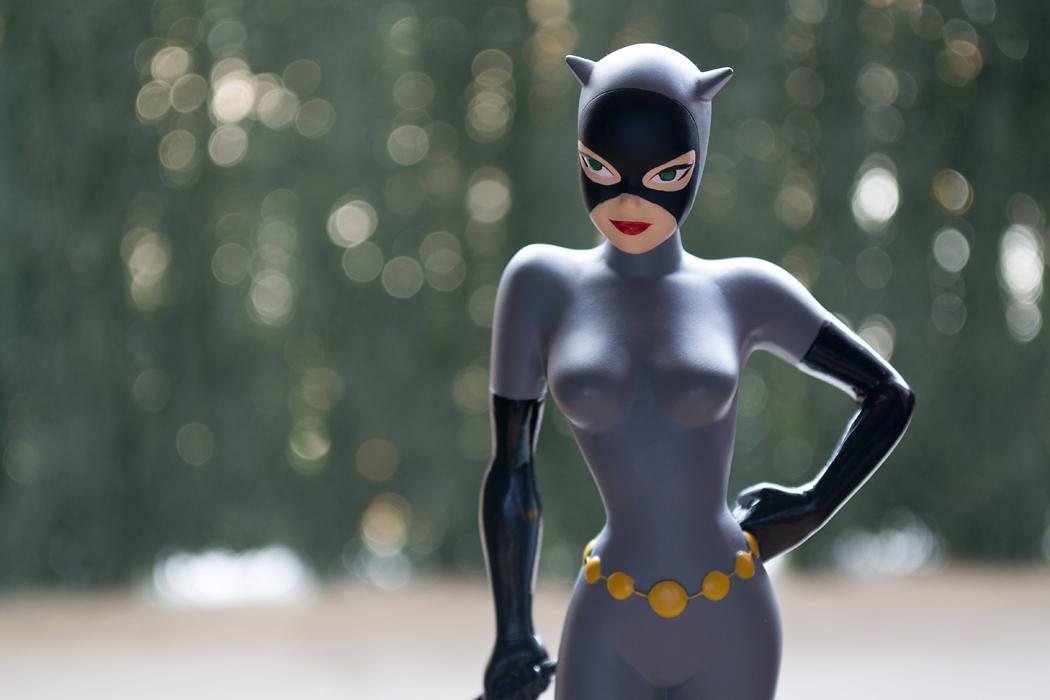 DC COMICS CLASSIC ANIMATION SERIES: BATMAN THE ANIMATED SERIES: CATWOMAN Maquette DSC_1706