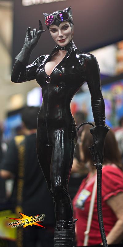 CATWOMAN 'Adam Hughes' Legendary scale figure - Page 2 Sideshow-collectibles-catwoman-legendary-scale-figure-low