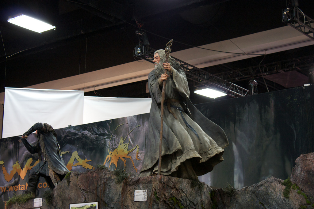 THE HOBBIT :  AN UNEXPECTED JOURNEY : GANDALF THE GREY LIFE-SIZE FIGURE Chtpi2zy