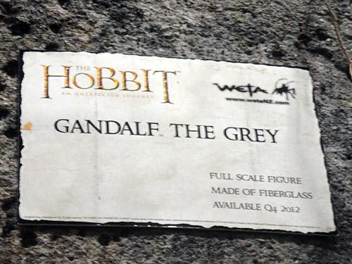 THE HOBBIT :  AN UNEXPECTED JOURNEY : GANDALF THE GREY LIFE-SIZE FIGURE Weta_lifesizegandalf_plaque