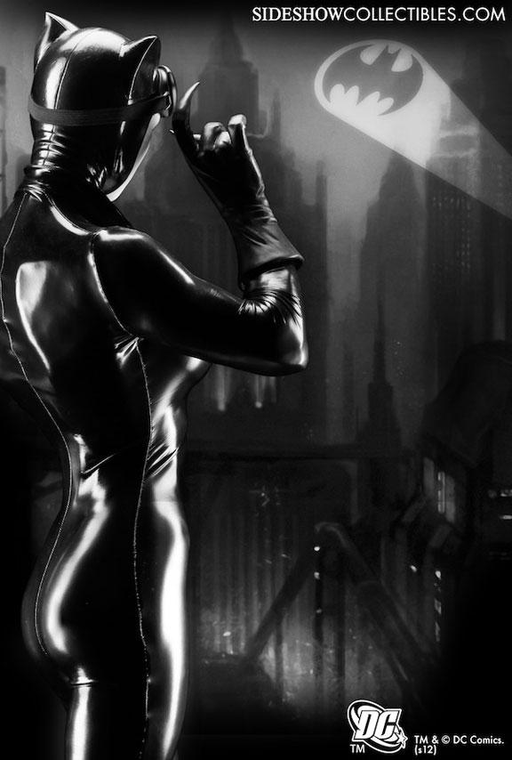 CATWOMAN 'Adam Hughes' Legendary scale figure Catwomansideshowimagebig