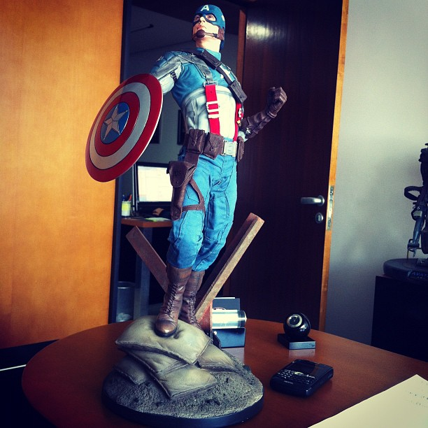 "CAPTAIN AMERICA""The first avenger"" premium format Cappf2"